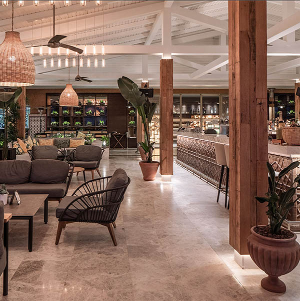 D Maris Kitchen high-end restaurant tropical and comfortable space design